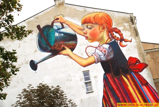 Na cianie instytutu chemii uwb przy pi sudskiego powstaje for Mural dziewczynka z konewka